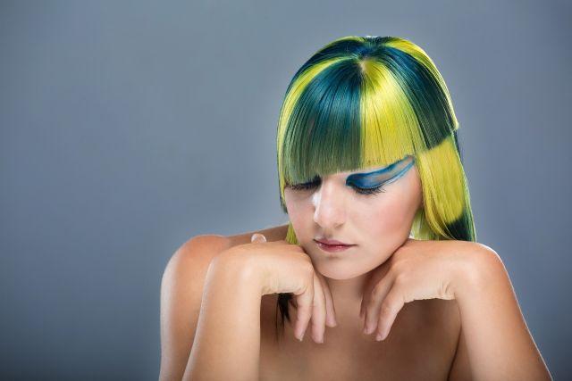 צבע שיער לבנות, צבע לשיער, צבע טבעי לשיער, צבע לשיער בגיל ההתבגרות