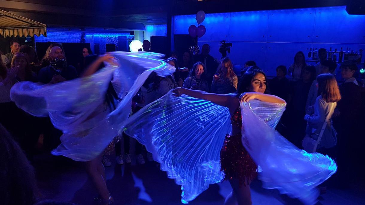 גל - רקדניות ומייצגים לאירועים - 073-7588394