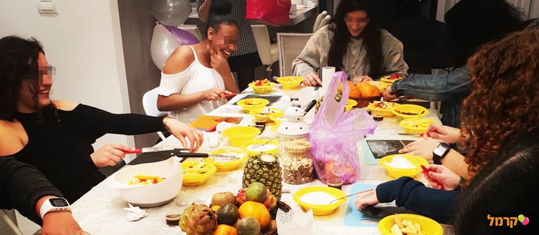 סדנת סושי פירות טעימה בטירוף - 073-7026330