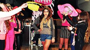 תצוגת אופנה-דוגמניות