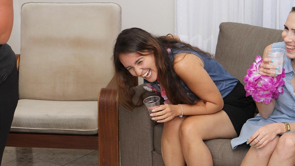 להיקרע מצחוק עם הבמה שלכם - 073-7585032